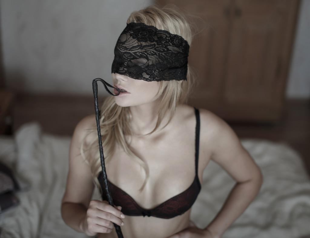 Phích cắm hậu môn không bao giờ làm bạn thất vọng trong BDSM