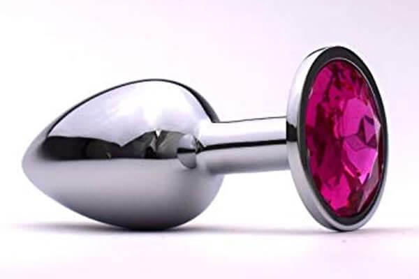 Phích cắm hậu môn thường có hình giọt nước hoặc bóng đèn bầu dục